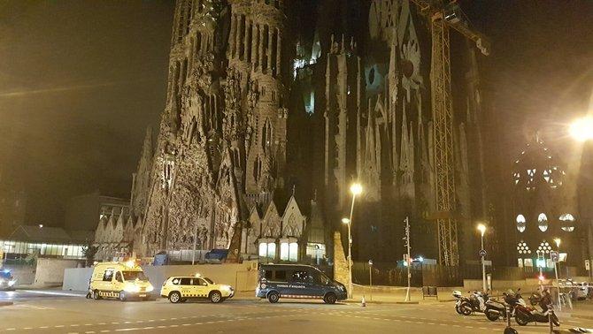 """Los Mozos piden que """"no salgan de casa"""" por riesgo de atentados en """"Sagrada Familia"""" (Barcelona)"""