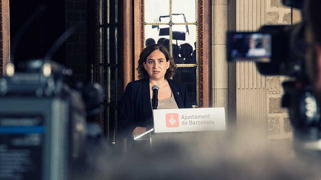 """Fernández se plantea """"acciones judiciales"""" contra Ada Colau """"si cede"""" locales para el 1-O"""