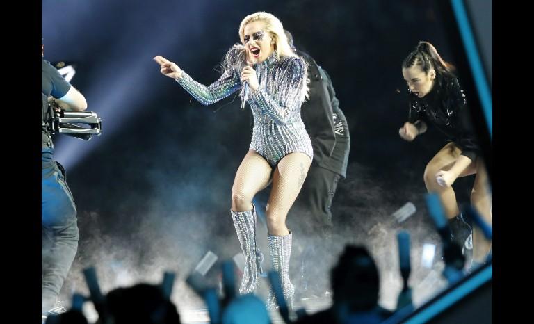 """La cantante Lady Gaga anula su concierto en Cataluña y pide """"sinceras disculpas"""" a los catalanes"""