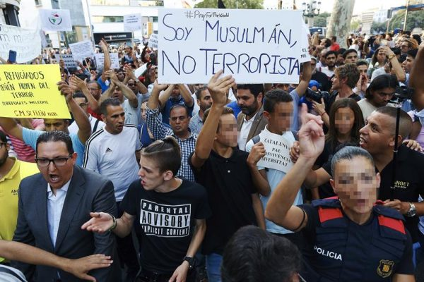 """La Generalidad prepara un Plan de """"acogida de marroquíes"""" y resto de """"magrebíes a Cataluña"""""""