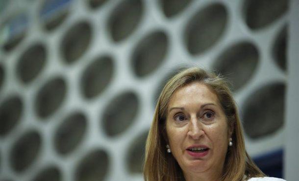 """Puidemont y Junqueras """"no pueden utilizar instituciones creadas"""" por España """"para ir contra"""" España"""