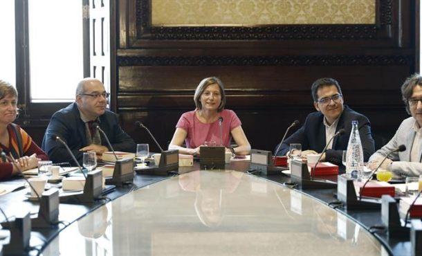 """JxSí y CUP piden a Forcadell """"tramitar"""" la Ley del Referéndum en """"urgencia extraordinaria"""""""