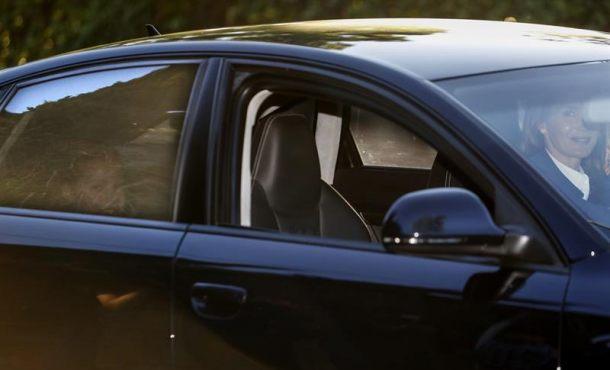 La Reina Letizia de España lleva a sus hijas al colegio donde la Princesa empieza Secundaria