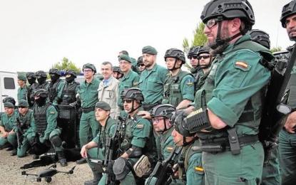 La Guardia Civil toma el control del aeropuerto Barcelona ante la amenaza de CUP y Puigdemont