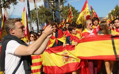 "Llaman a salir mañana 29-O a ""condenar la intentona golpista de Puigdemont y Junqueras"""