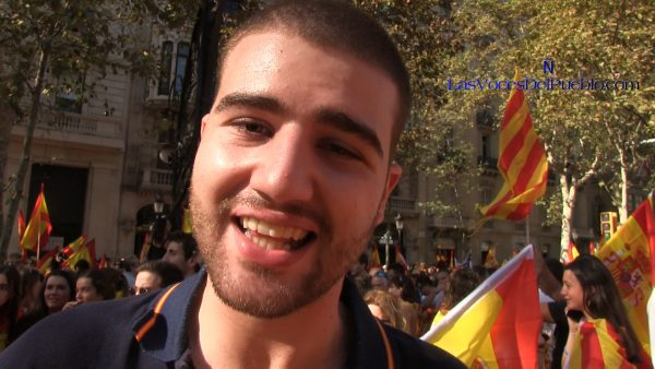 """Un Joven catalán denuncia el """"desprecio"""" separatista porque """"somos catalanes y españoles"""""""