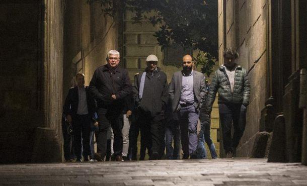 La maratoniana cumbre de Puigdemont seguirá hoy 26-O y JxSí se conjura proclamar la DUI