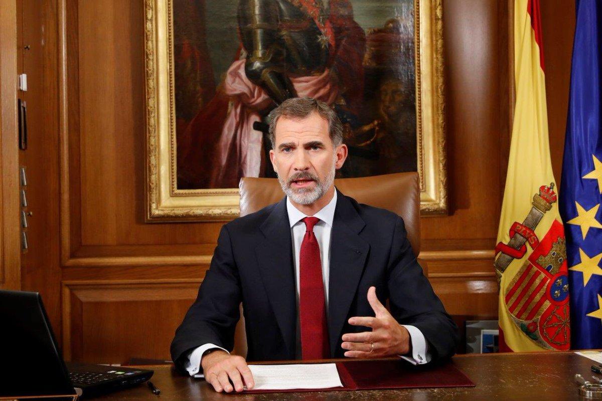 """El rey ve """"deslealtad inadmisible"""" el golpe separatista y llama a asegurar el orden en Cataluña"""