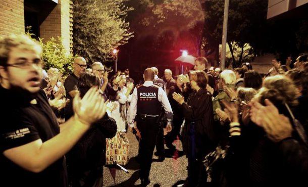 """Policía separatista a los suyos: """"estamos por la seguridad de todos para que"""" el 1-O """"salga bien"""""""