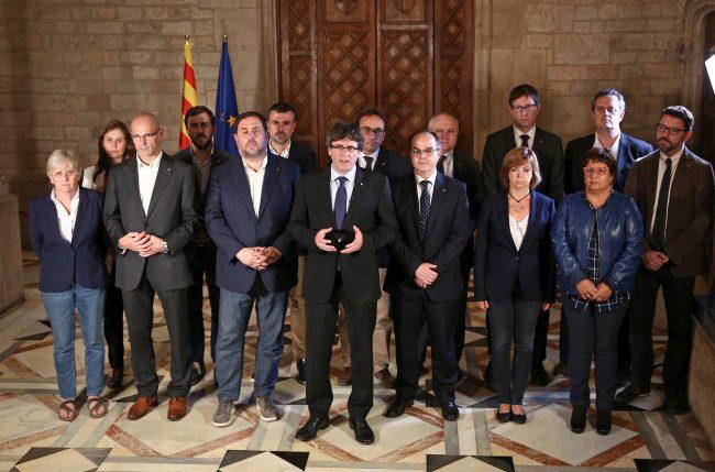 Puigdemont anuncia su intención de subir al balcón y declarar la independencia de Cataluña