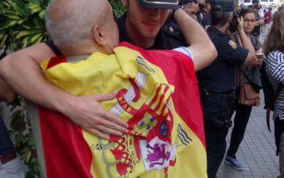 España apoya al Artículo 155 en Cataluña y 55,33% de catalanes apoyan a Guardia Civil y Policía