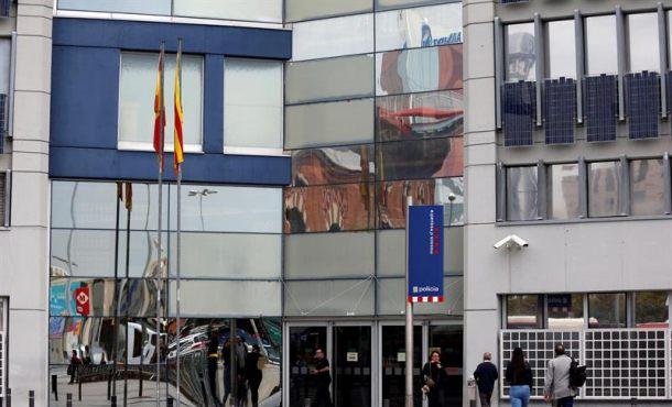 La Guardia Civil buscan en comisarias de Mozos grabaciones de Trapero durante el 1-O
