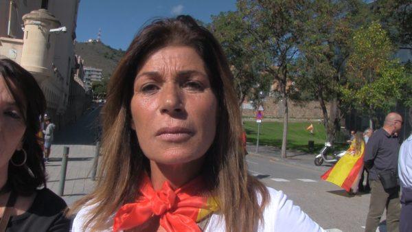 """Mujer catalana: """"Lo de ahora son los cachorros del adoctrinamiento"""" de 30 años """"en la Escuela"""""""