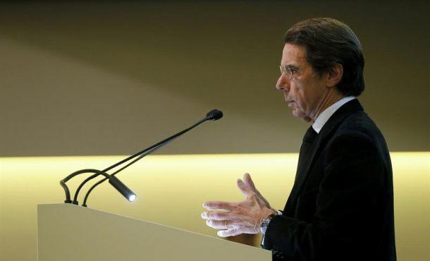 """José María Aznar: Rajoy debe """"actuar en Cataluña"""" o dimitir y """"convocar elecciones"""""""