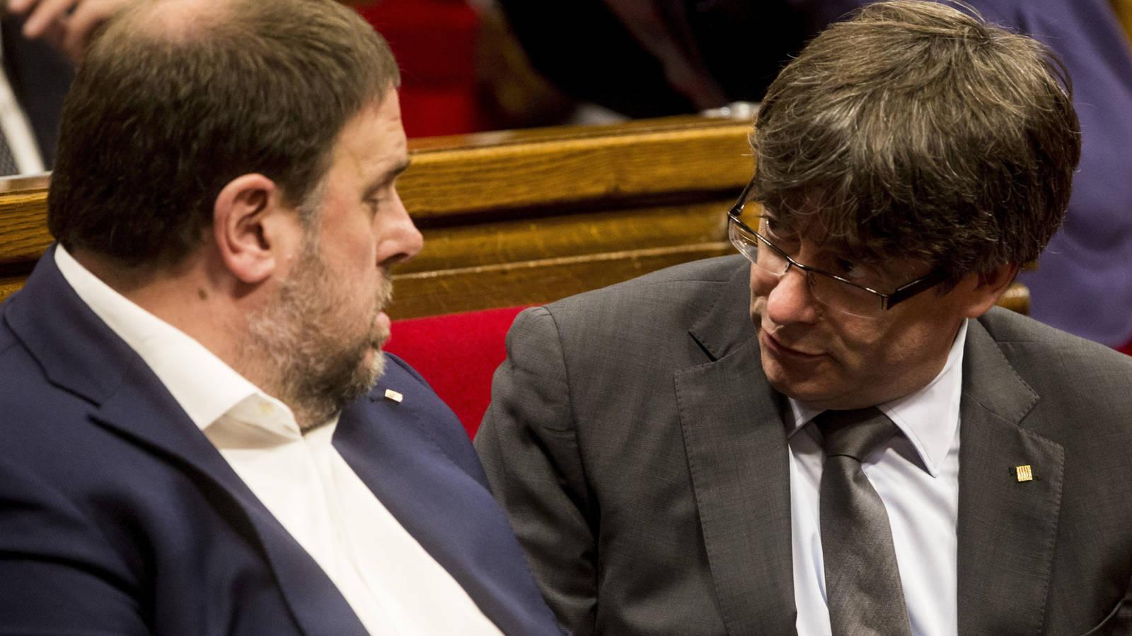 """Puigdemont se planteó """"guerra o guerrilla"""" en Cataluña tras el DUI y traslado de dinero a """"París"""""""