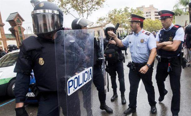 Al banquillo, mandos de Mozos en Santa Perpètua (Barcelona)por desobediencia el 1-O
