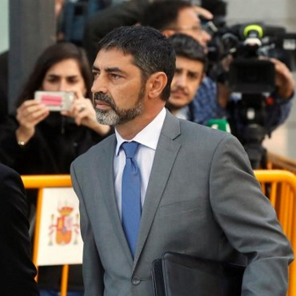 Retirada del pasaporte y prohibición de salir de España a Trapero, jefe de «Gestapo» de Puigdemont