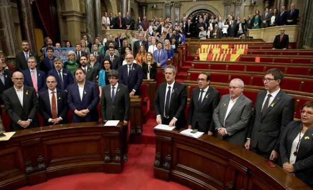 El Gobierno convoca un Consejo extraordinario tras la declaración de independencia en Cataluña