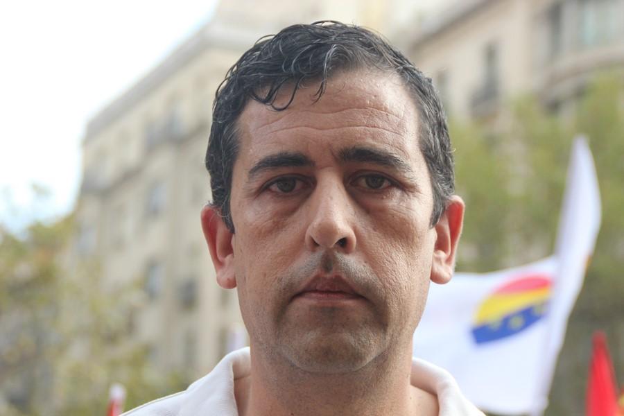"""Monárquicos de España piden """"un favor"""" a CUP, """"váyanse"""" para líbranos de """"lacra social"""" separatista"""