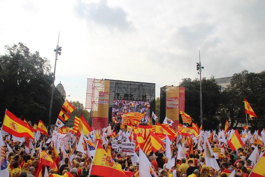 """Los catalanes piden en su manifiesto del 12-O """"firmesa ante golpismo delirante"""" en Cataluña"""
