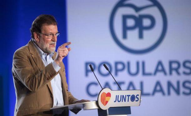 """Rajoy llama a la """"mayoría silenciada"""" catalana a llenar """"las urnas de verdad"""" el 21-D en Cataluña"""