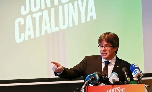 """Puigdemont: """"Seguramente"""" no volveré a Cataluña,  """"de milagro no hubo muertos el 1-O"""""""