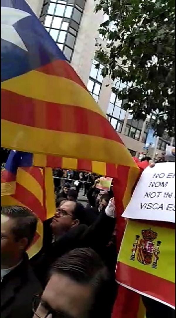 Sediciosos catalanes y complices separatistas Flandes (Bélgica) encuentran resistencia pacífica en Madrid
