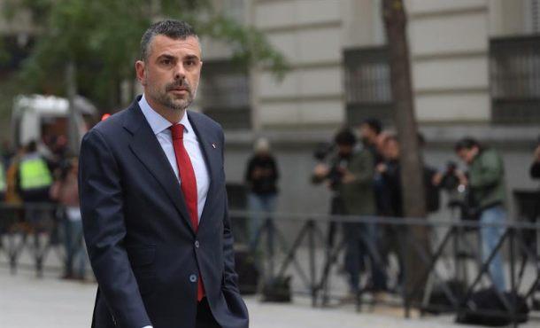 """Exconsejero Vila que dimitió ante el 26-O: """"extremistas hicieron prevalecer sus posiciones"""" en Cataluña"""