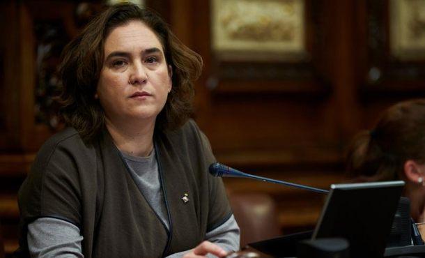 La Junta Electoral prohíbe a Ada Colau hacer la propaganda separatista en Barcelona