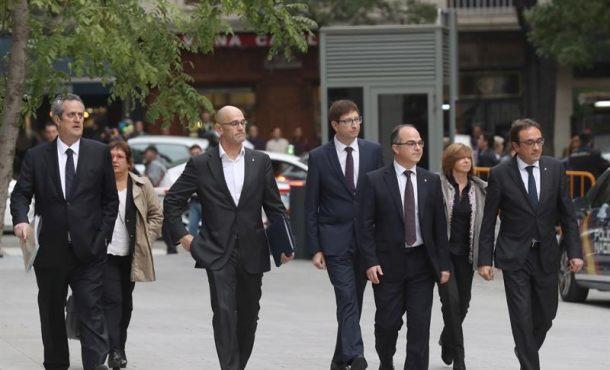 El juez rechaza el recurso de VOX que pedía el reingreso en prisión de 6 exconsejeros excarcelados