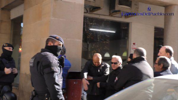 Frustran emboscada de separatistas contra catalanes pacíficos ante Guardia Civil de Manresa