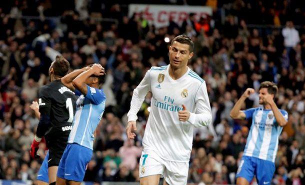 Madrid más triste sale vivo con un penalti, a punto de tirar la liga definitivamente a la basura (3-2)