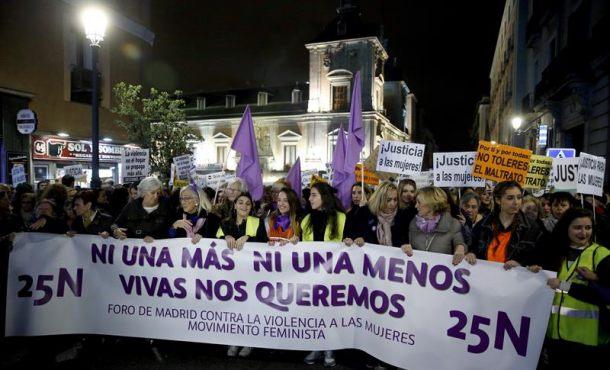 """Una gran marcha entona el """"no es no"""" en Madrid contra la violencia machista"""