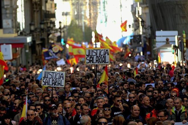 100 mil Policías y Guardias Civiles claman en Madrid por equiparación de sueldos con los Mozos