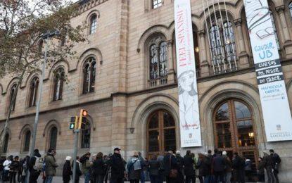 Abren sus puertas los 2.680 colegios electorales en las autonómicas catalanas
