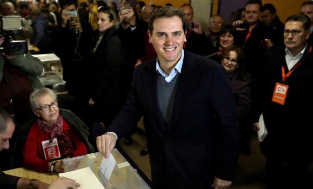 "Rivera espera una ""doble victoria"" de Cs y del bloque constitucionalista"