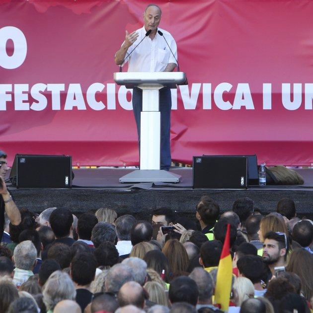 """Frutos, comunista catalán: """"No son presos políticos"""" sino golpistas, """"no hay colonias en España"""""""