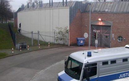 4 presos se fugan de una cárcel de Berlín (Alemania) tras abrir un agujero en un muro