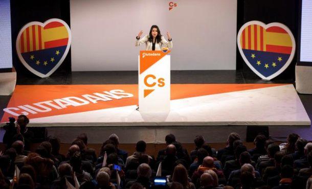 Arrimadas apela a los orígenes de muchos catalanes para volver a levantar Cataluña