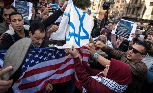 Isalamistas contra Trump por su reconocimiento de Jerusalén como capital