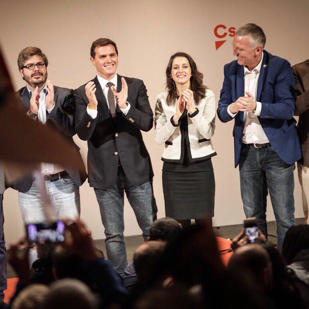 """Rivera: Hay que votar el 21-D contra el """"golpe"""" separatista, """"adversario de la libertad"""""""