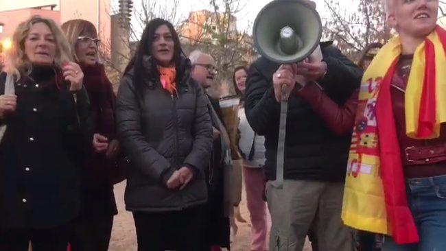 """Los catalanes pierden el miedo y claman contra el """"odio y exclusión"""" separatista en Gerona"""