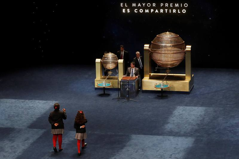 Lotería de Navidad 2017: El Gordo (71.198) cae en Lugo, Málaga y salpica a otras 10 provincias