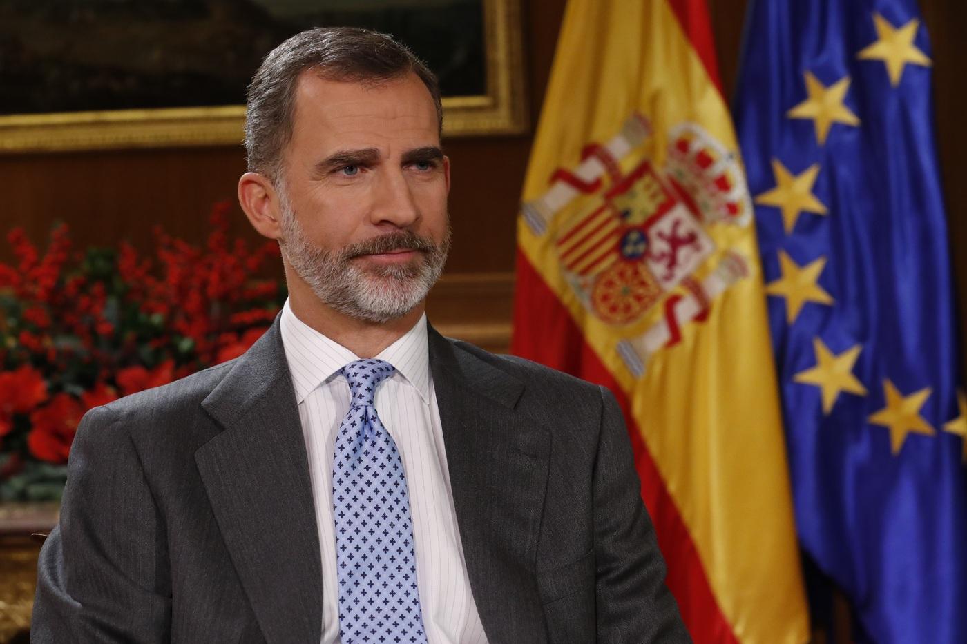 """El Rey recuerda el """"triunfo"""" de España ante separatismo que """"enfrenta a familias"""" en Cataluña"""