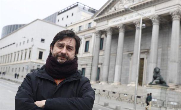 """Podemos: """"El Rey se ha convertido en el altavoz de don Rajoy y saqueo del PP"""""""