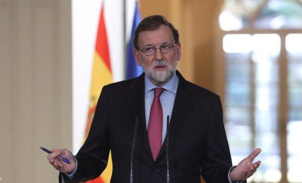 """Rajoy ofrece al nuevo gobierno de Cataluña """"toda su colaboración y voluntad"""" de un diálogo"""