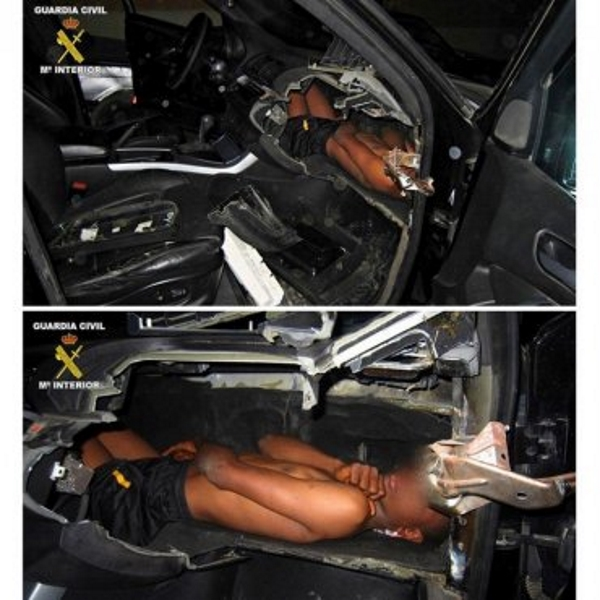 Rescatado un niño cuando entraba en España en un salpicadero de coche de alta gama