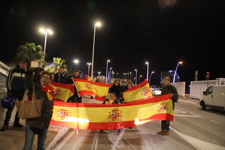 """""""Un lujo acompañar a Policías que se van para estar con su familia"""" tras el 1-O en Cataluña"""