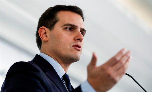 Rivera: Respetamos los fallos judiciales y no presionamos como hacen los separatistas