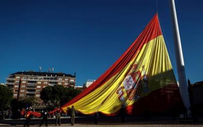 El izado de bandera en Plaza de Colón (Madrid), 39 aniversario de la Constitución Española